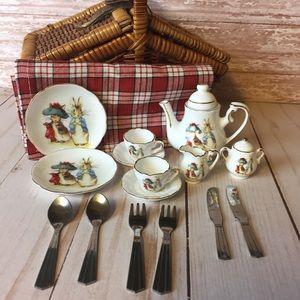Peter Rabbit Miniature Tea Set